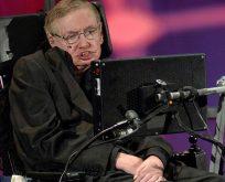 Stephen Hawking: 'Uzaylılara cevap vermemeliyiz'