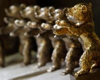 Altın ayı sahiplerini buldu