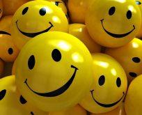 Sağlığınız için bol bol gülümseyin
