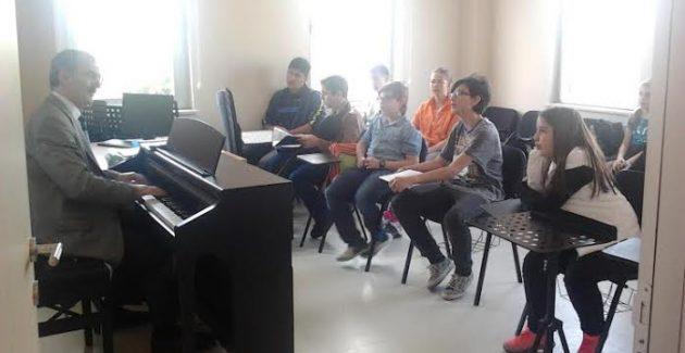 Özcan Özbek ve Küçükçekmece Müzik Akademisi