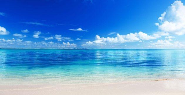 Maviye boyanmış sulara dalın!
