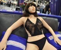 Seks robotları bağımlılık yaratabilir!