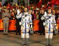 Çin'den astronotlu uzay aracı atağı