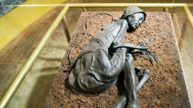 Binlerce yıldır gizemini koruyan bataklık cesetleri