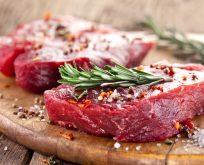 Kırmızı eti bol limonlu salata ile tüketin