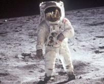 ABD Başkan Yardımcısı: Ay'a astronot göndermek istiyoruz