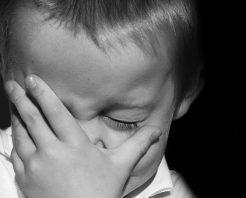 """""""Çocuklukta İhmalin İzi: Boşluk Hissi"""""""