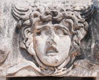 Kıskançlığa kurban edilen bir güzellik; Tanrıça Medusa