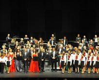 """İstanbul Devlet Opera ve Balesi Sanatçıları,  """"Viyana"""" Konseptli Yeni Yıl Konseri ile Sahnedeydiler"""