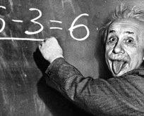 Einstein'ın Tanrı'yı ret mektubu 2.9 Milyon Dolara satıldı