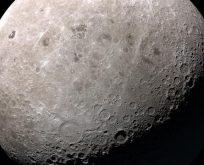 Rus kozmonotlar 2031'de Ay'a ayak basacak