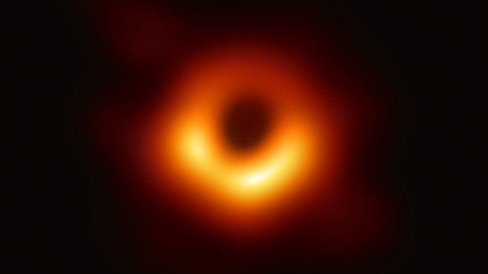 İki kara deliğin birleşmesi tespit edildi