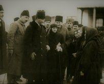 Atatürk ve Türk Kadın Kıyafetinde İnkılap