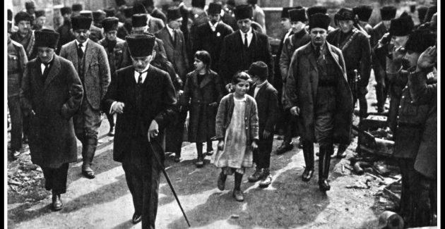Atatürk Adana'da 15 Mart 1923