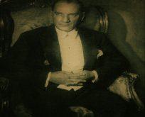 Atatürk'ün Hayatına Giren Kadınlar